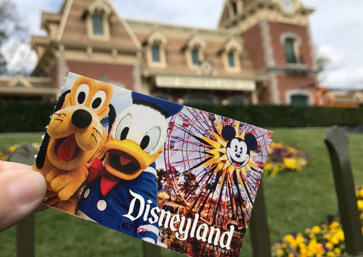 Discounted Disneyland tickets Undercover Tourist