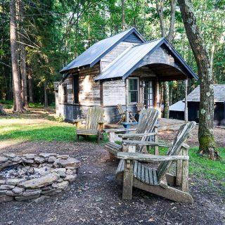 Blue Moon Rising-Kaya cabin with firepit