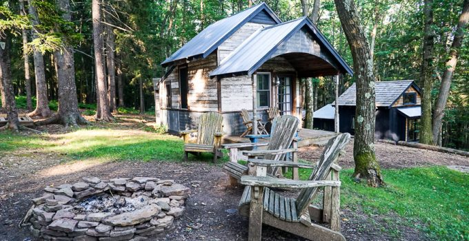 Blue Moon Rising: Vacation in a Tiny House in Deep Creek Lake, Maryland